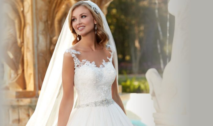 What color should a bride wear for a second marriage